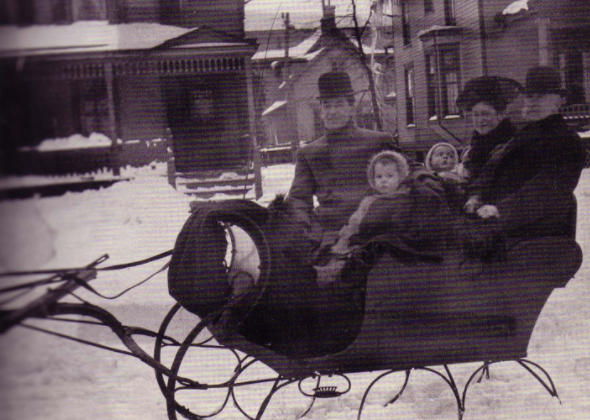 Sherwood as a child and his family in rural Ohio.